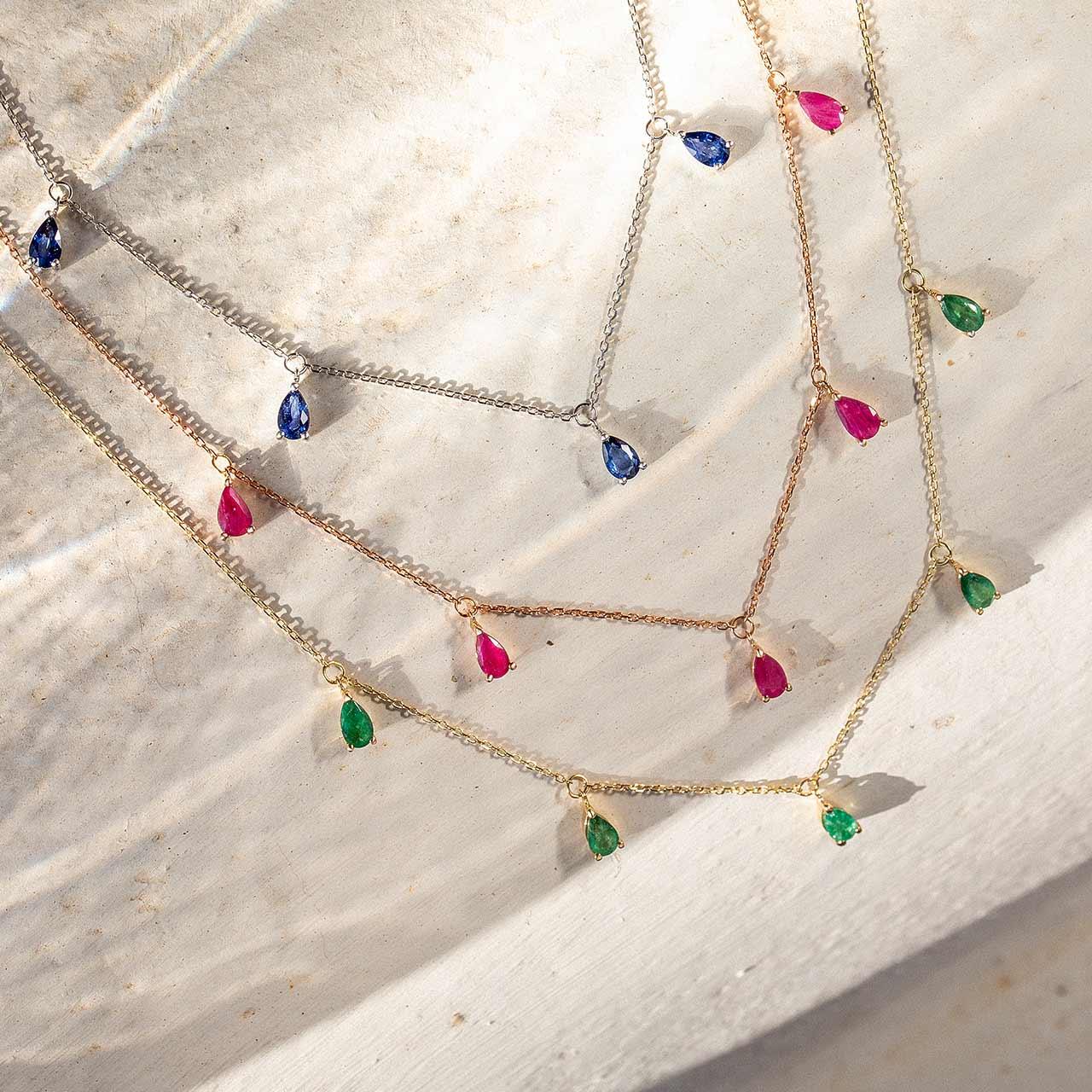 Ideas para guardar gargantillas de oro y gemas preciosas