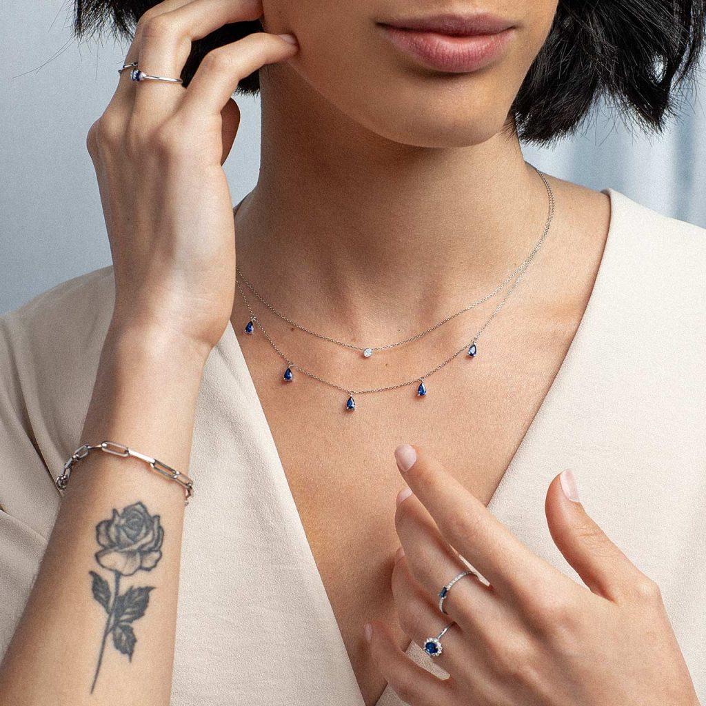 Inspiración joyas de oro blanco combinadas con zafiros y diamantes