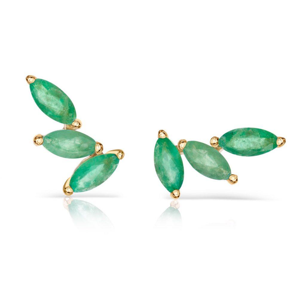 Pendiente ear cuff con tres esmeraldas en talla marquesa Mumit